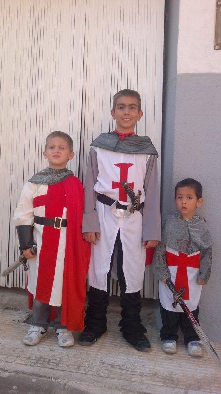 Los caballeros templarios protegiendo el negocio ;)